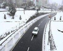 İstanbul'da kar başladı!