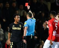 Hakemi iten futbolcuya şok ceza! Men edildi