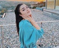 Hande Erçel ayna pozuyla sosyal medyayı salladı!