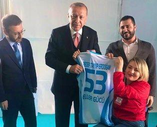 Başkan Erdoğan, Ebru Çam ile Ankara mitinginde buluştu