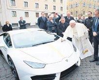 Papa'dan satılık Lamborghini