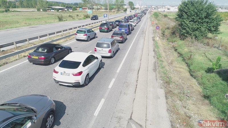 Kapıkule'de gurbetçilerin dönüş yolculuğu sürüyor! Kuyruk 2 kilometre