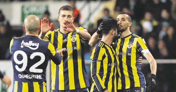 Fenerbahçe yolu yarıladı