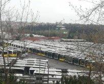 İBB otobüs ve metrobüsleri İETT Garajı'nda bekletiyor!