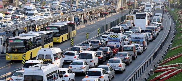 Trafikte zorunlu uygulama başladı