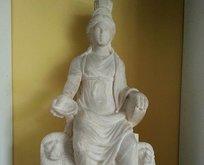 1700 yaşındaki ana tanrıça Kybele, ana vatanı Türkiye'ye dönüyor