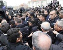 Kılıçdaroğlu'nun omzundaki ele dikkat!