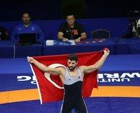 Başkan Erdoğan, şampiyon güreşçiyi kutladı