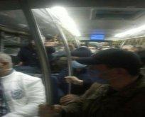 İETT otobüsünde sırt sırta yolculuk