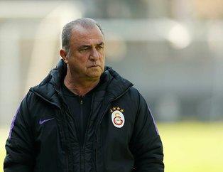 Galatasaray'da iki futbolcu ile yollar ayrılıyor!