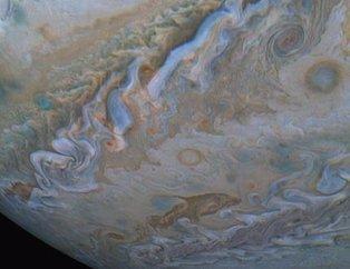 Uzaydan gelen inanılmaz görüntüler (Jüpiterdeki detay)