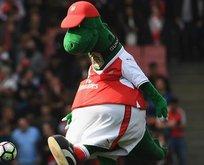 Arsenal'ın maskotu Gunnersaurus artık mutlu!