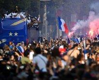 Fransa şampiyonluğu kutluyor!