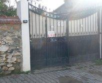 Herkes bu evi merak ediyor! Jandarma nöbet tutuyor
