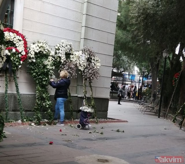 Demet Akbağ'ın eşi Zafer Çika'nın cenaze töreninden sonra pes dedirten olay!