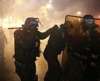 Fransa'da polis eylemcilere saldırdı