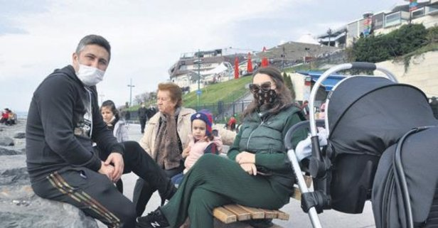Sabri Sarıoğlu, eşi Yağmur Sarıoğlu ve kızı Sera ile Aqua Florya AVM'de objektiflere takıldı