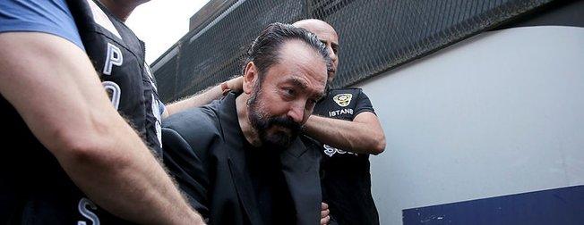 Adnan Oktar suç örgütünün FETÖ bağlantısı bulundu! Yardım istemişler