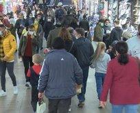 Kısıtlama öncesinde Eminönü'nde alışveriş yoğunluğu
