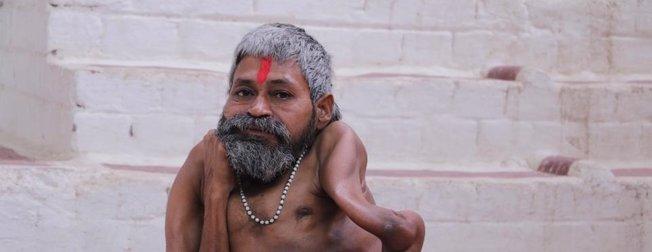 Hintli rahip Bharat Tiwari'nin kemikleri bükülüyor!