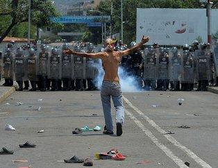 Venezuela sınırındaki insani yardım çatışmaları