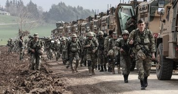 Türkiye'nin Fırat'ın doğusuna 'Barış Pınarı Harekatı' başladı! YPG duman oldu... (Türkiye tarihinin sınır ötesi harekatları)