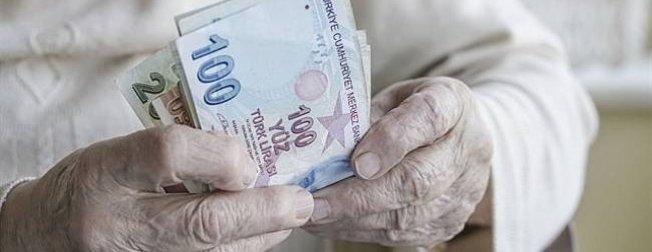 Emekliler için güzel haber!  Emekliye 10 maaş kredi 3 maaş avans...