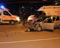Adana'da feci kaza! Otomobil minibüse çarptı