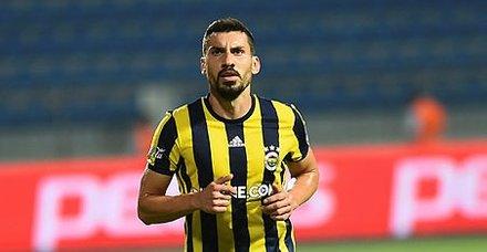 Şener Özbayraklı Galatasaray ile üç yıllık ön anlaşma imzaladı