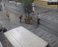 CHP'li İBB İstiklal Caddesi'ndeki ağaçları kaldırdı!