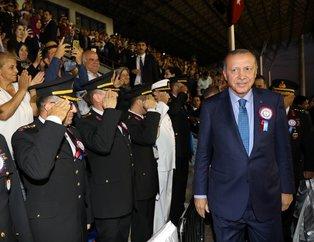 Başkan Erdoğan'ın katıldığı subay ve astsubay mezuniyet töreninden dikkat çeken kare