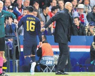 Zinedine Zidane'a ateş püskürüyorlar!