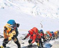 Everest'in cesetleri!