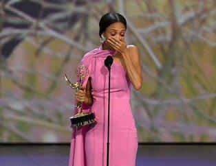 70.Emmy Ödül Töreni'nde dikkat çeken anlar! 2018 Emmy Ödülleri'nde sahnede evlenme teklifi ve küfür etme gibi ilginç anlar yaşandı