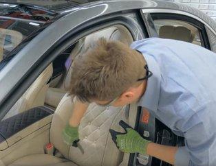 Mercedes'in koltuğunu kesip biçtiler! İçinden bakın neler çıktı