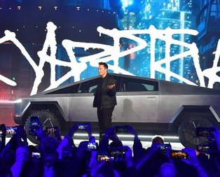 Elon Musk resmen tanıttı! İşte Cybertruck