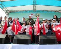 Erdoğan çocuklarla birlikte o şarkıyı seslendirdi