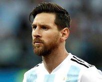 Arjantin'in yıldızı Lionel Messi'ye annesinden destek