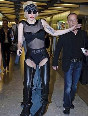 Lady Gaganın zor anları...