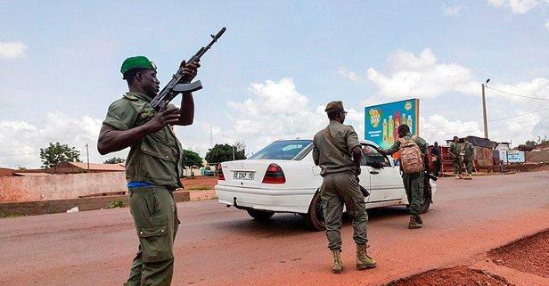 Mali Cumhurbaşkanı alıkonuldu