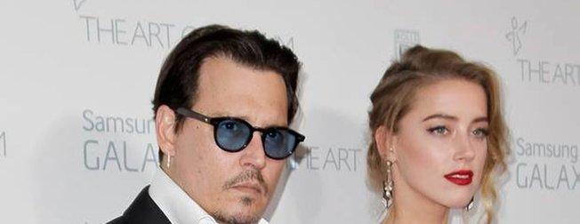 Johnny Depp eski eşi Amber Heard'i kendisine şiddet uygulamakla suçladı!