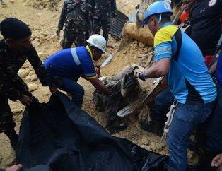 Filipinlerde korkunç görüntü! Cesetleri tek tek böyle çıkarttılar