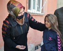 250 yetim çocuk hediyelerle sevindirildi