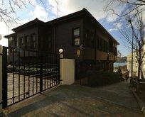 Sezen Aksu Mehmet Akif Ersoy'un evini oturmadan sattı
