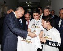 Başkan Erdoğan Manisa'da öğrencilerin projelerini inceledi