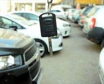 Vatandaşlar akın etti! Mercedes, BMW ve Audi yarı fiyatına satılıyor!