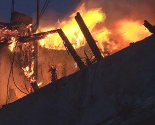 İstanbul'da korkutan yangın! Mahalleliyi sokağa döktü