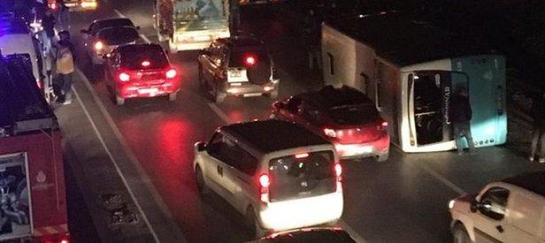 İstanbulda feci kaza! Halk otobüsü devrildi