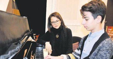 Arda Ayhan, Uluslararası Piyano Yarışması'nda ödül kazandı