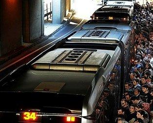 Edirnekapı'da metrobüs yolcuya çarptı